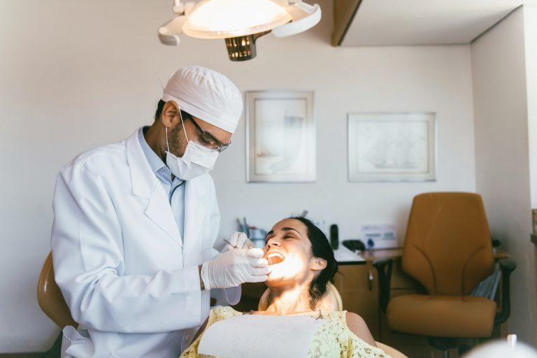 Quais são as áreas da Odontologia?
